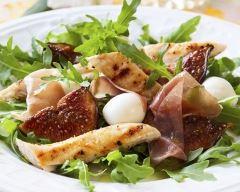 Recette poulet, figues, mozza et pignons en salade