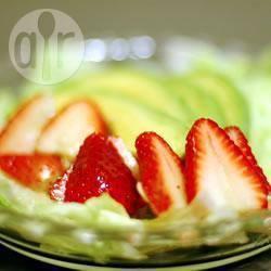 Recette salade à l'avocat et aux fraises – toutes les recettes ...