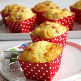 Petits cakes jambon-vache qui rit pour 8 personnes