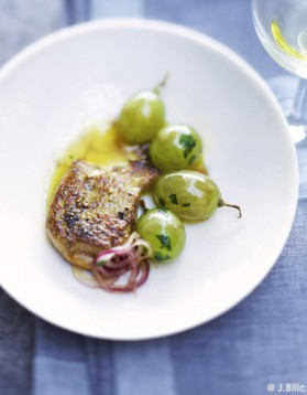 Foie gras et raisins poêlés pour 6 personnes