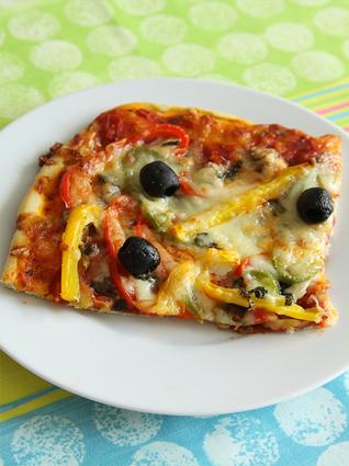 Recette de pizza chorizo et poivrons aux 3 couleurs