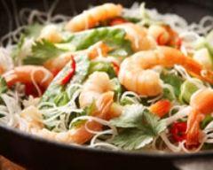 Recette saumon et crevettes au chou chinois au wok