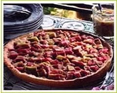Recette tarte à la rhubarbe et à la poudre de noisette