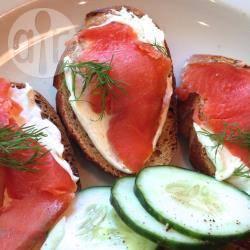 Recette canapés faciles au saumon fumé – toutes les recettes ...