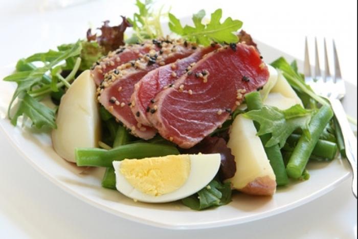 Recette de salade estivale au thon frais facile et rapide