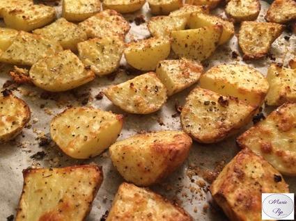 Recette de pommes de terre nouvelles à l'ail et aux herbes