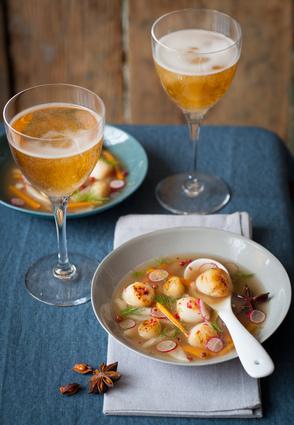 Recette de nage de saint-jacques grillées au cidre au fenouil et à l ...