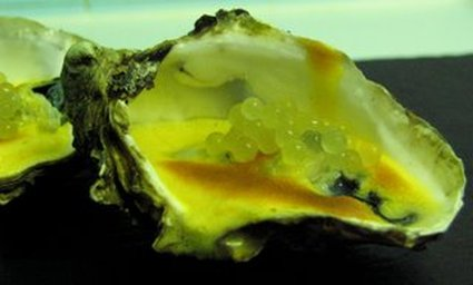 Recette de huîtres au sabayon vanille, caviar de fenouil
