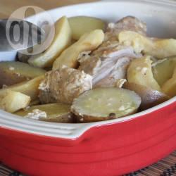 Recette rôti de porc au lait avec pommes et pommes de terre ...