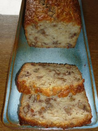 Recette de cake aux pommes, noix et cannelle