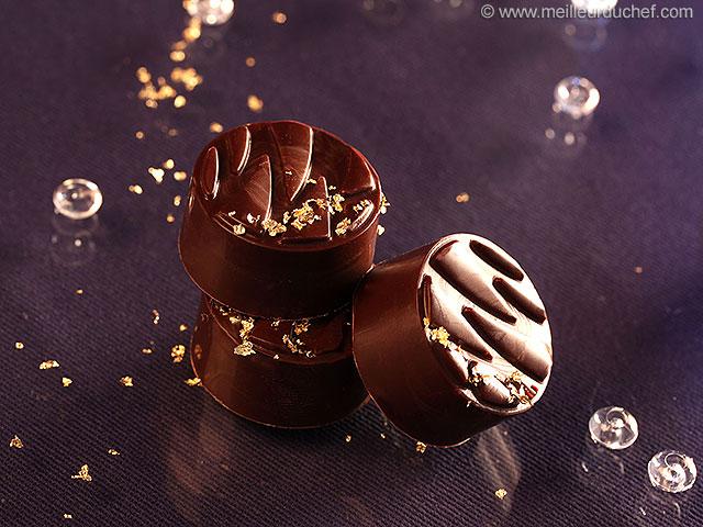 Chocolat fourré au chocolat au lait caramel biscuité  la recette ...