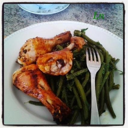 Recette de poulet grillé sauce sakari et haricots verts à l'ail et au persil
