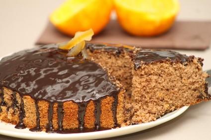 Recette de gâteau au chocolat et écorces d'oranges confites