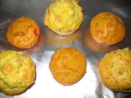 Recette de minis cakes tomate, jambon, gruyère, olives