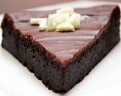 Recette fondant au chocolat nappé de son glaçage