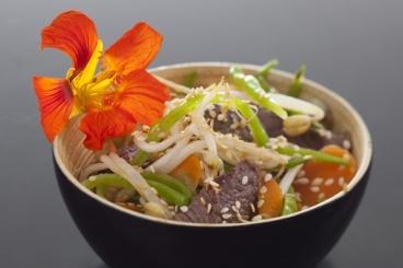 Recette de wok de boeuf au sésame, légumes de saison facile et ...