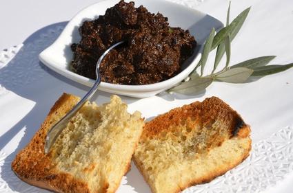 Recette de tapenade d'olives noires express