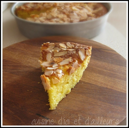 Recette de gâteau au yaourt aux pommes et amandes