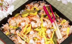 Riz sauté aux crevettes et basilic thaï pour 4 personnes