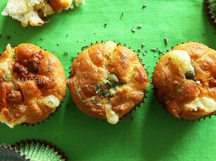 Recette de muffins au chorizo, emmental et olives vertes
