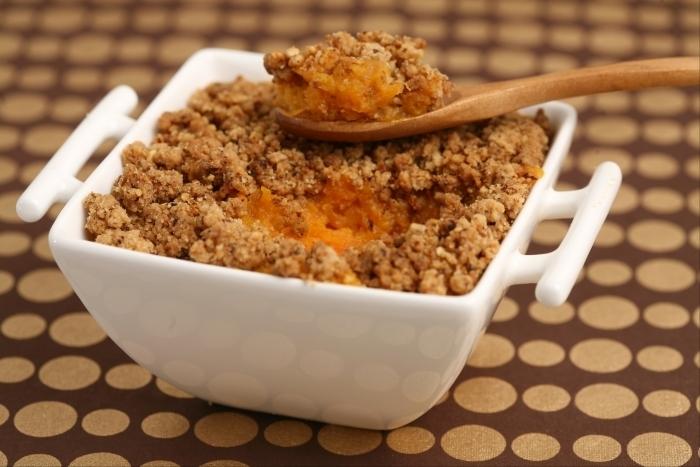 Recette de crumble de patate douce et carotte facile et rapide