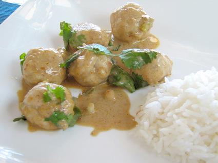 Recette de curry rouge de boulettes de poisson