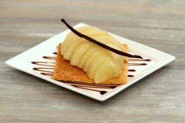 Recette de sablé breton et poire pochée à la vanille facile et rapide