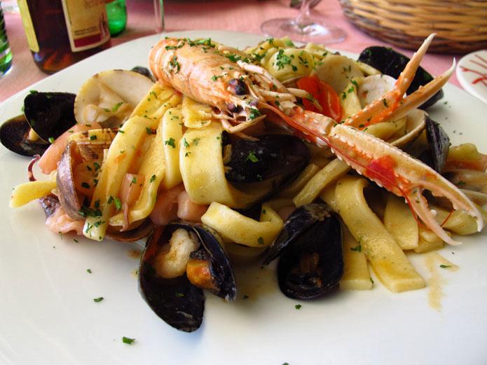 Pâtes aux fruits de mer : linguine, spaghetti