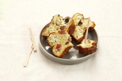 Recette de petits cakes au fromage fouetté ail et fines herbes et ...