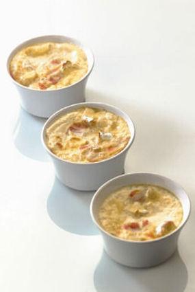 Recette de œuf cocotte à la crème de camembert et lard fumé