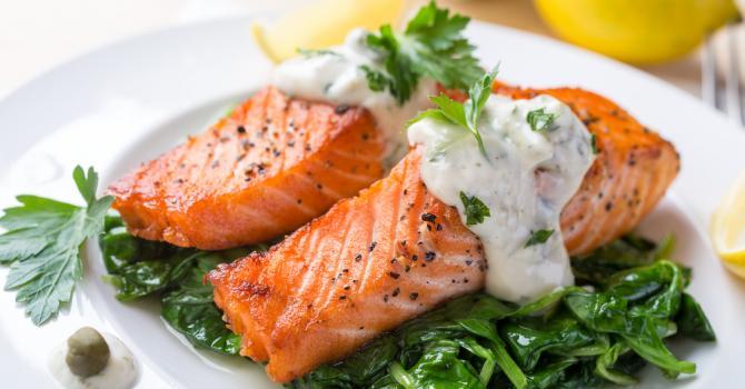 Recette de saumon sauce légère à la moutarde et au fromage blanc