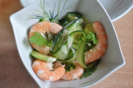 Recette de salade épicée de concombres aux crevettes