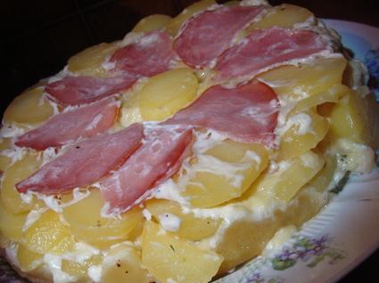 Recette de tatin de pommes de terre au saint-nectaire et au bacon