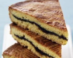 Recette gâteau breton fourré à la crème de pruneaux