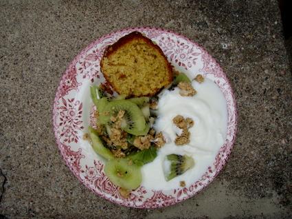 Recette de gâteau au yaourt, muesli au sirop d'érable et noix de ...