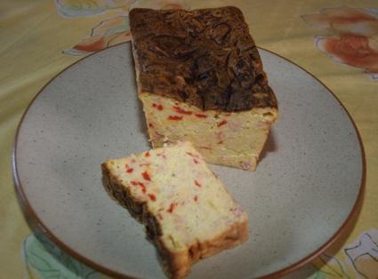 Recette de pain aux courgettes, lardons et poivron rouge