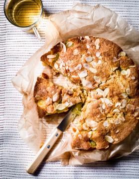 Gâteau tiède raisin-amandes pour 6 personnes