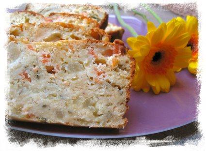 Recette de cake au saumon, roquefort et pommes vertes