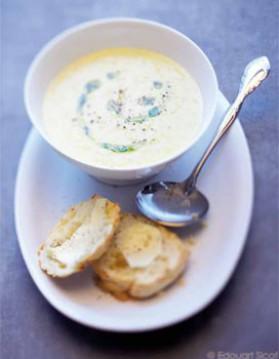 Soupe de maïs et scones au fromage pour 4 personnes