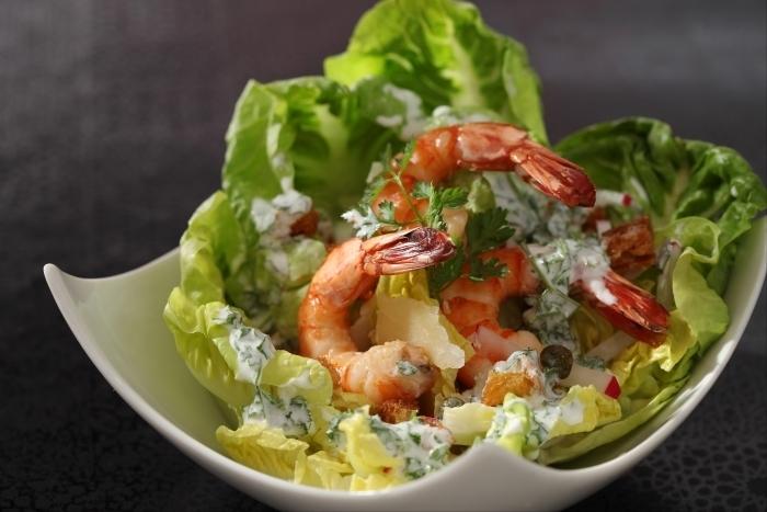 Recette de salade légère de coeurs de romaine façon césar et ...
