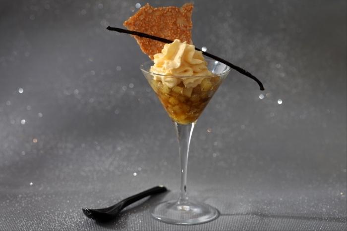Recette de ananas caramélisé à la vanille, mousse légère à la ...