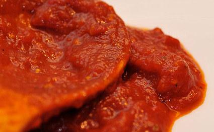 Recette de côte de porc à la sauce tomate et cornichons