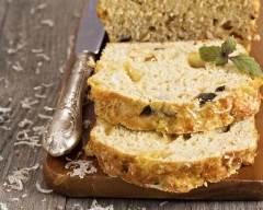Recette cake aux olives, noisettes et comté