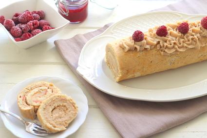 Recette de gâteau roulé à la crème de marron et à la framboise