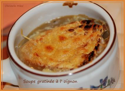 Recette de soupe gratinée à l'oignon et vin blanc sec