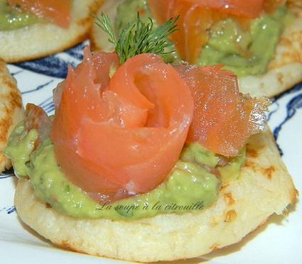 Recette de blinis au saumon et guacamole