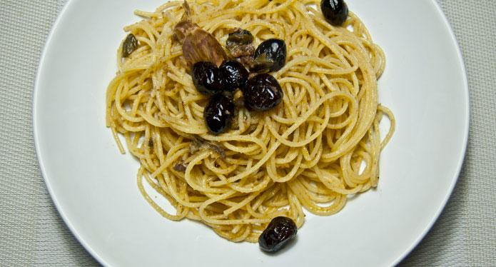 Spaghetti câpres, anchois