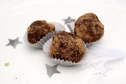 Recette truffes au chocolat noir et caramel au beurre salé (friandises)