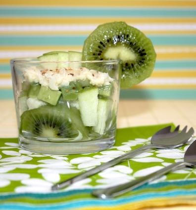 Recette de salade acidulée au crabe, kiwi et avocat