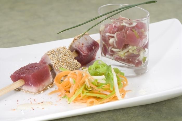 Recette de autour du thon : mini tartare en verrine et cubes mi-cuits ...
